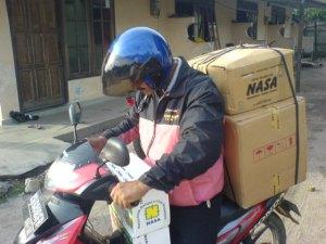 bersepeda motor tempuh jarak 100 km an demi nasa