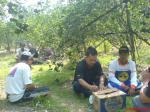 wawancara TS Nasa dengan pak bambang dibawah pohon jeruk